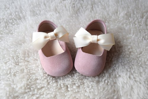 Baby Girl Shoes, Baby Moccasins, Pink Leather Mary Jane, Pastel Baby Moccs, Handmade Infant Booties with Bow, Baby Shower Gift, Crib Shoes