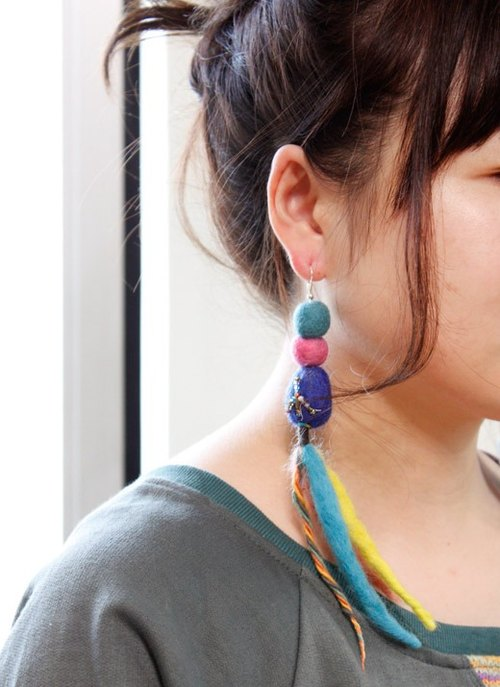 ☆ Hammock ☆ 彡 Hammock Felt Ball Earrings