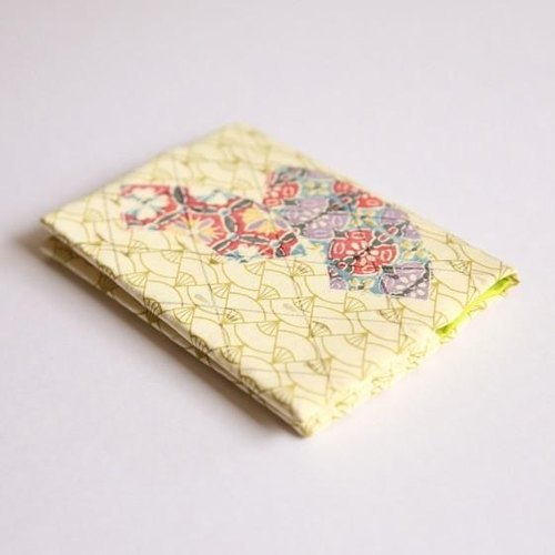 【Resale】 Flower blooming fan-style × young plants Kimono card case 【silk】