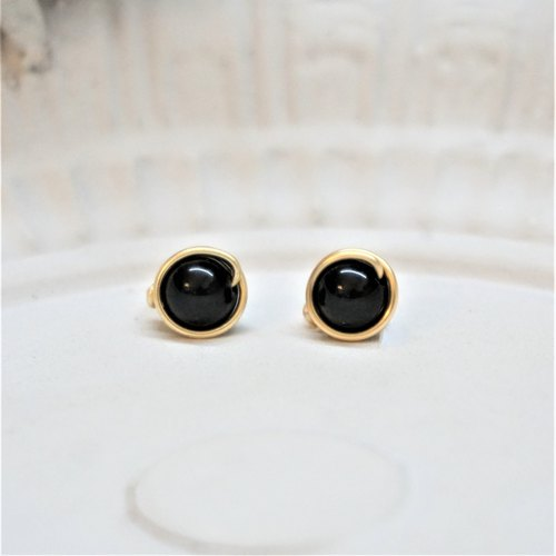<< Gold Wire Framed Ear - Black Onyx >> 6mm Black Onyx (Other painless ear clips)