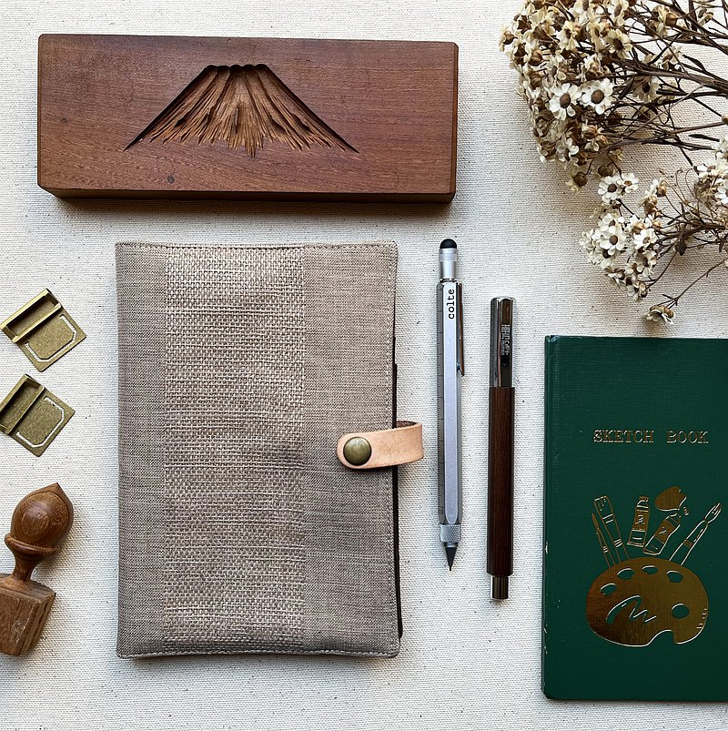 Cotton and linen feel-woven pen pocket account