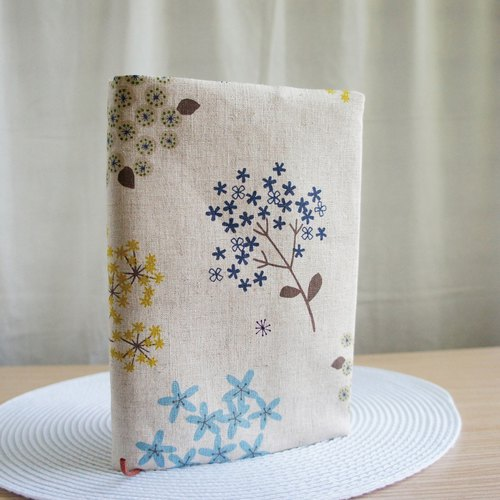 Lovely [Japanese cloth] double-sided cloth book [freehand flowers] cloth book cover 25 open 15X21 cm E
