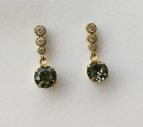 Iron gray glass CZ earrings pin