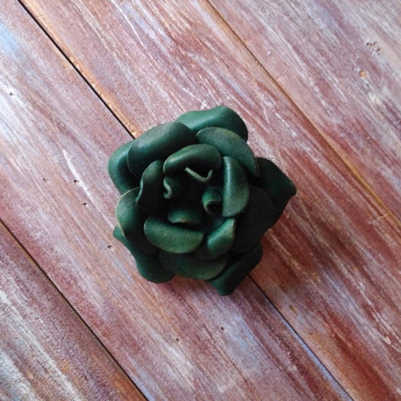 Three-use leather flower brooch hair clip green leather custom-made Kai handmade leather