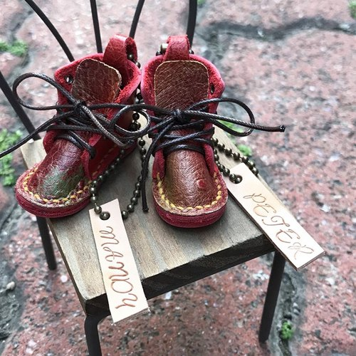 DUAL - LEATHER LEATHER / LEATHER SEAMLESS LEATHER LEATHER SHOES / TWIN Pairs FREE Lettering - Christmas Red (Christmas, Graduation Gift, Teacher's Day, Designer)