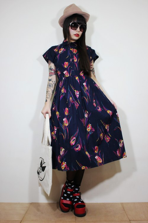 F2141 (Vintage) dark blue color tulip flower cloth cotton short-sleeved vintage dress (wedding / picnic / party)