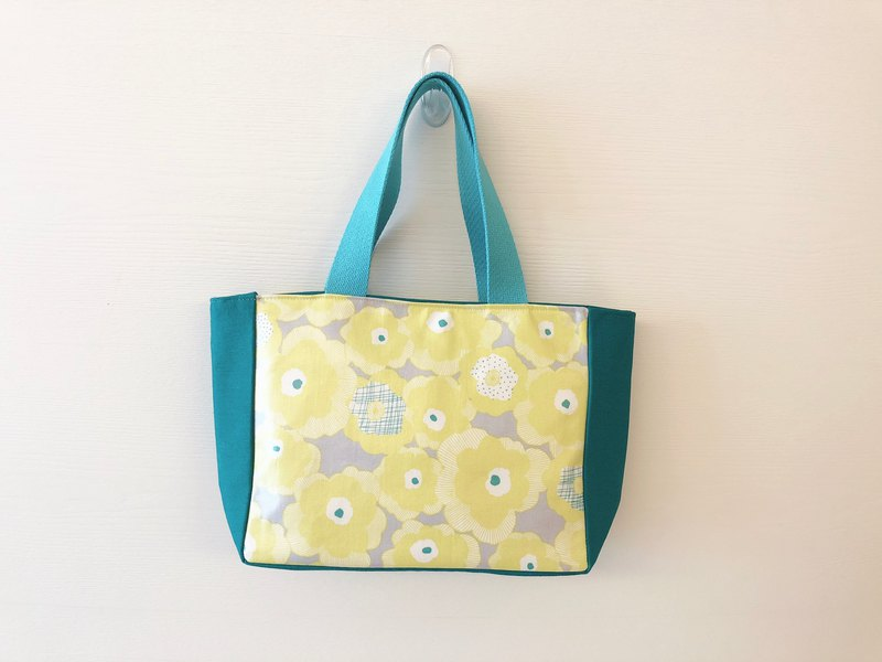 Color lunch bag / lunch bag / waterproof fabric material - yellow flower tarpaulin