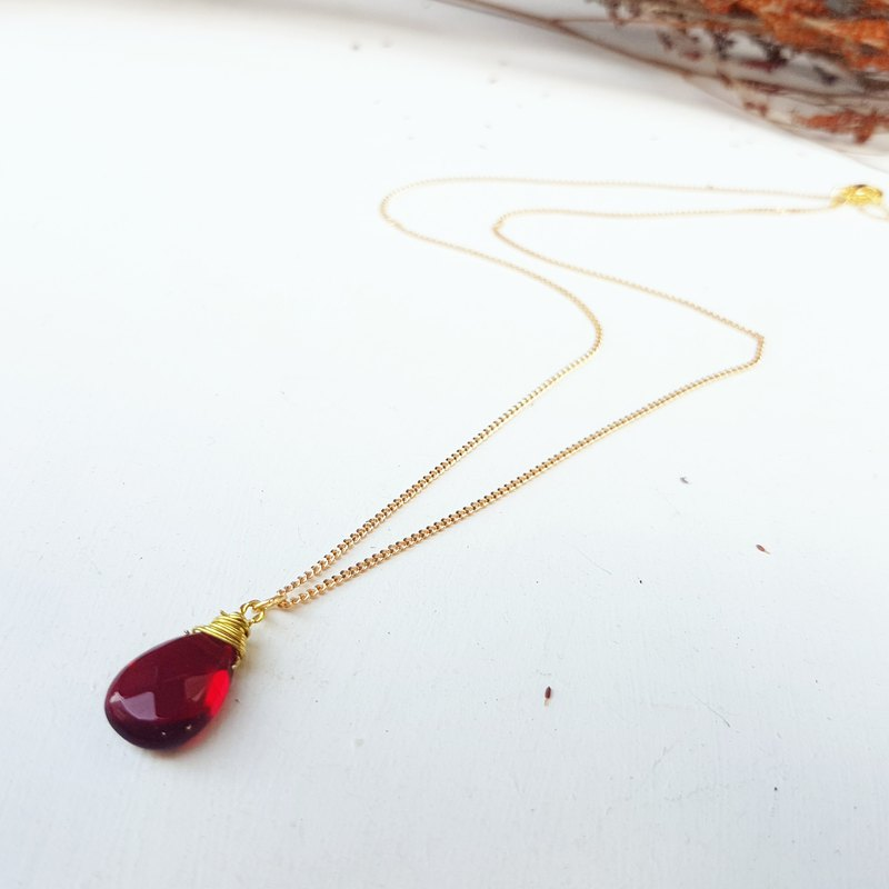 Copper hand made _ drop shape red crystal short necklace _ clavicle chain