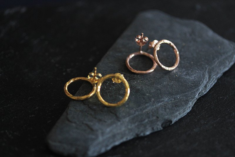 Handmade circle hammered wire stud earrings (E0182)