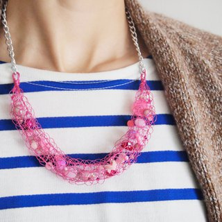 Bright hand-woven fresh pink copper wire with pink beads 錬