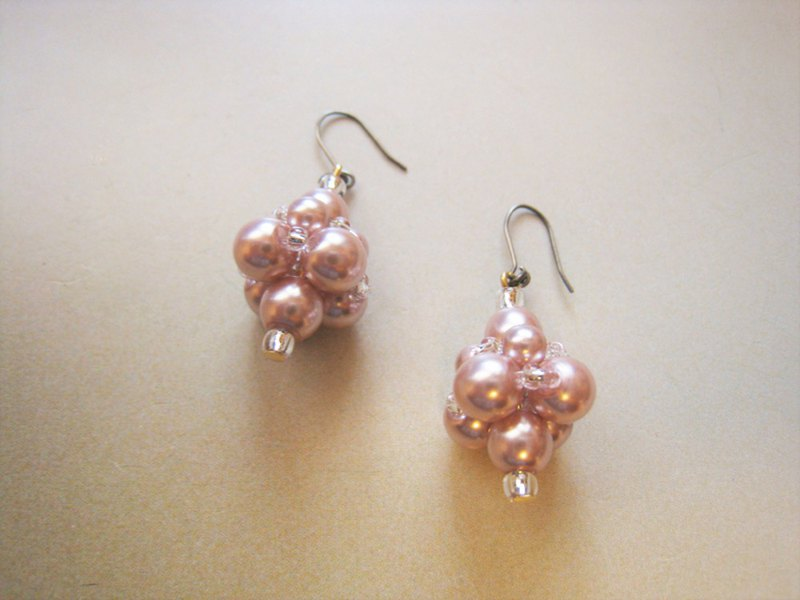 Silky Pearl Pierced Earrings / M : Pink Bridal*