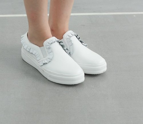 Clear display】 【lotus leaf trim full leather casual shoes white
