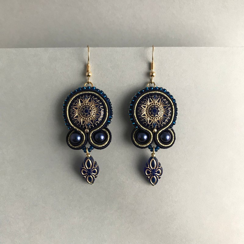 Soutache earrings indigo color queen