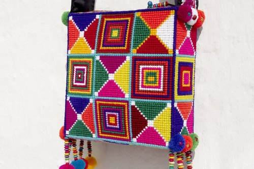 Christmas gift exchange gifts Christmas market limited edition handmade crochet side backpack / shoulder bag / Tote bag / Crossbody / woven bag / wayuu wind embroidery bag - warm South American style square woven bag