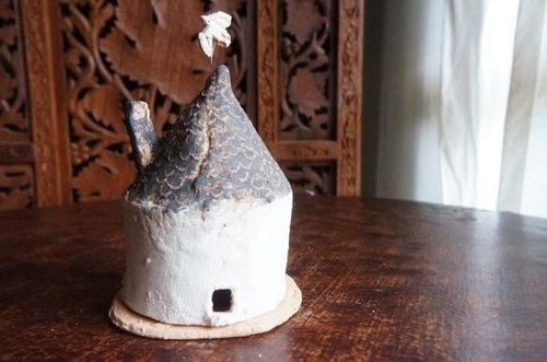 Incense holder of the house and the bird chimney roof M tht14026-05
