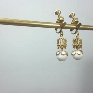 BZ 66: brass clip earrings with white glass