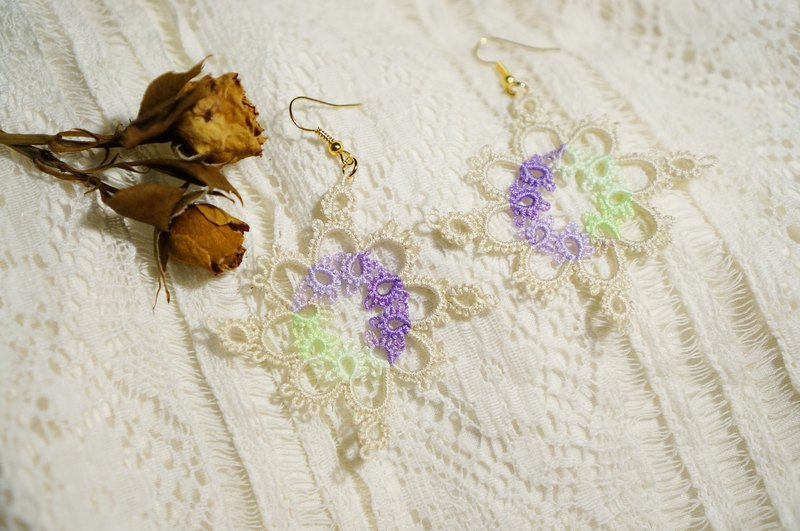 kammistry.// woven lace earrings (large)