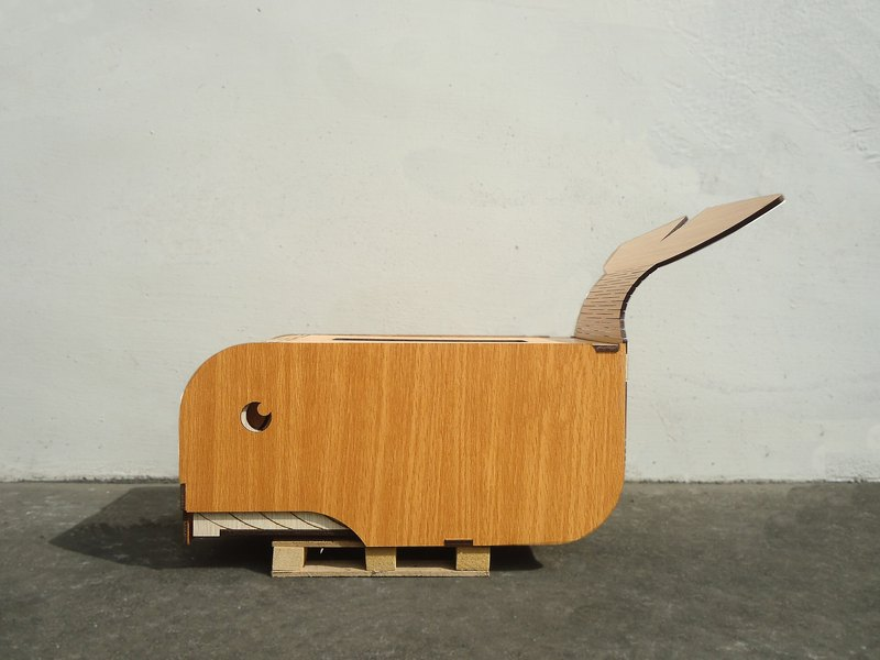 Patented wood carved whale face carton