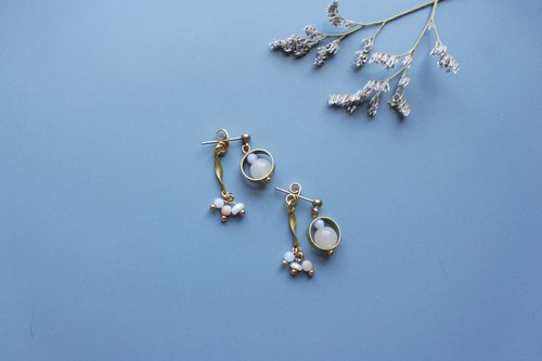 │Small goldfish │ earrings - powder Dongling