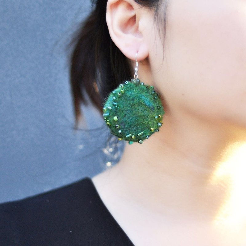 A piece of emerald earrings hand sewing beads beads wool earrings wild hand needle felt New Year Christmas