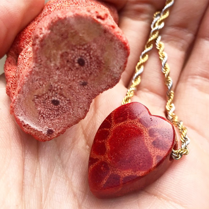 [Lost and find] natural stone red coral heart necklace