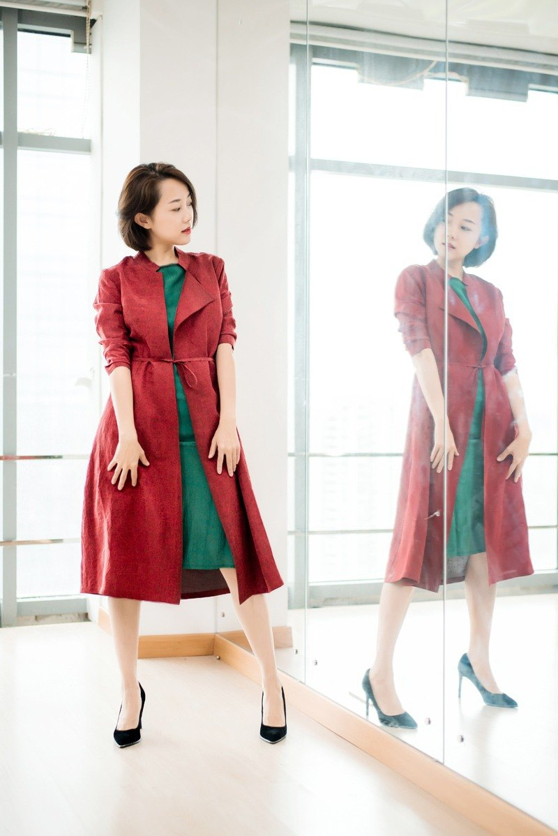 【】 Xiangxiang Yunye new autumn sun dress wind coat red makeup