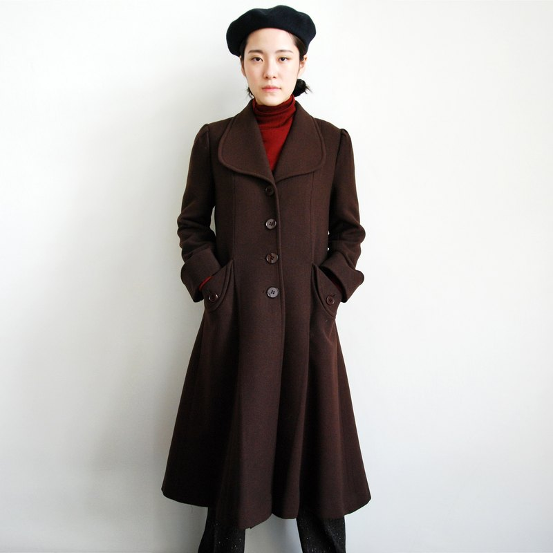 Pumpkin Vintage. Ancient large collar coat coat