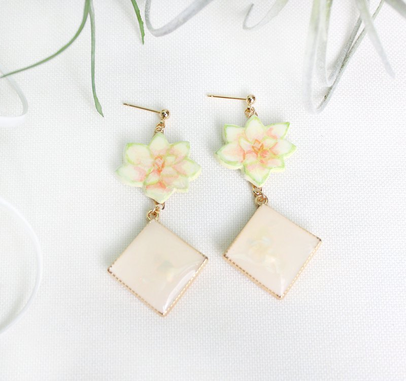 Mingyue succulent earrings / beige / stone lotus / flowers / hand-painted