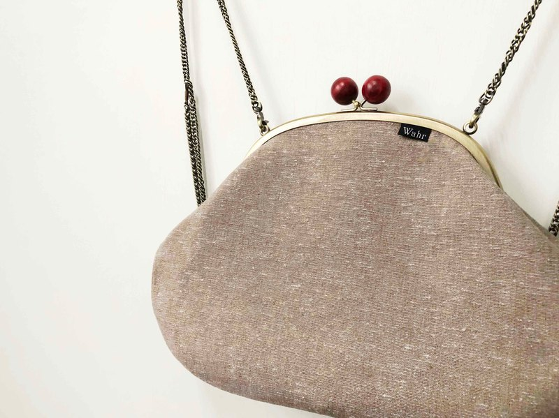 Pretty circle clasp frame bag/with chain/ cosmetic bag