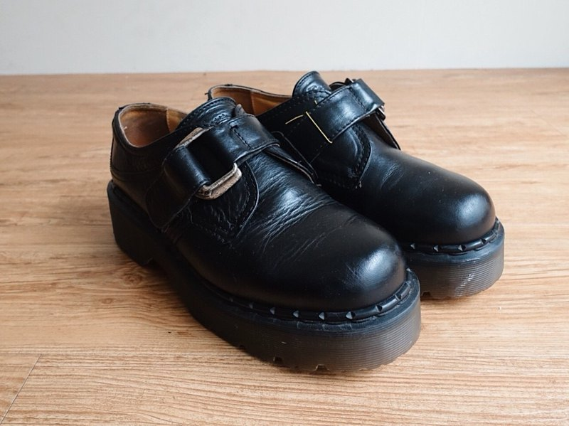 Vintage Shoes / Dr.Martens Martin / Leather shoes no.13