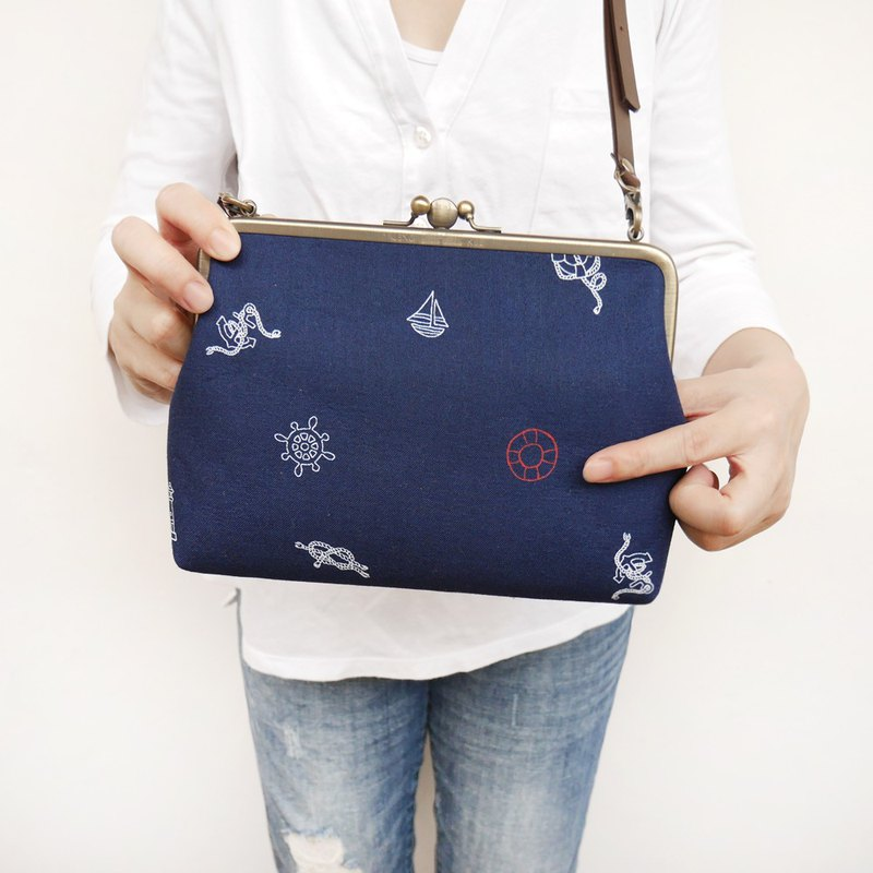 Summer sky blue two large shoulder bag / mobile phone bag / mouth gold bag [made in Taiwan]