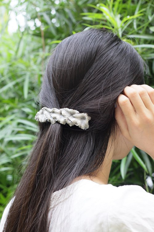 Ancient silver leaf styling hairpin