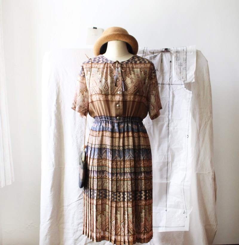 Vintage earthy yellow short-sleeved hundred fold vintage dress