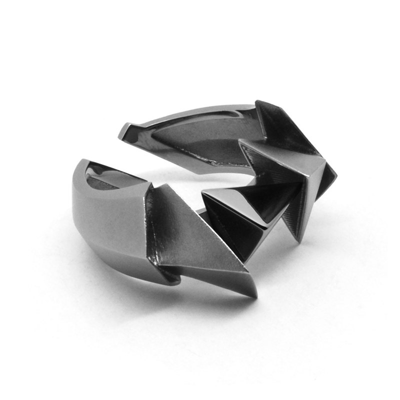 BERMUDEZ Ring / Gun Metal (Design silver jewelry)