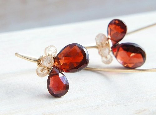 Red garnet earrings 14kgf