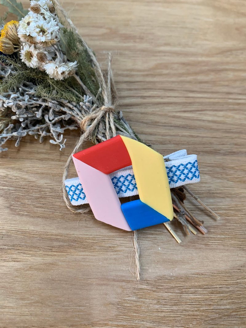 Geometric soft ceramic hair clip / blue