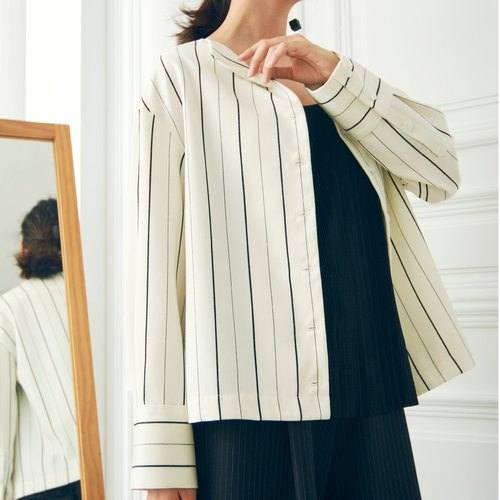 Striped texture shoulder length shirt - black lines on white