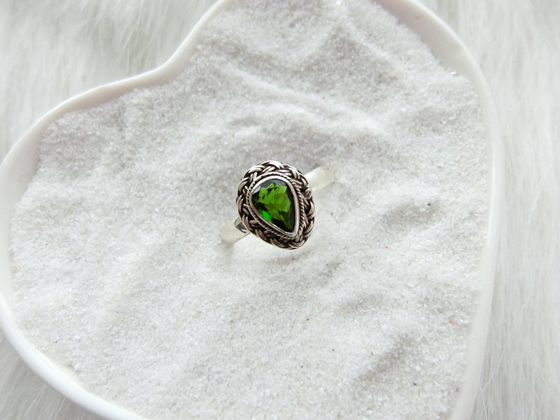 Green Tourmaline 925 Sterling Silver Water Drop Twist Band Ring Nepal Handmade Silver Jewelry