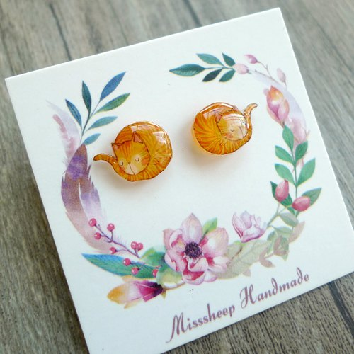 Misssheep- [Sleeping Kitten] Watercolor Hand Style Cat Hand Earrings (Ear) [One Pair]