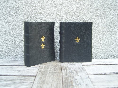 French handmade traditional royal lily emblem [series] gold foil leather / marble colored paper two inside pages set (black spot)