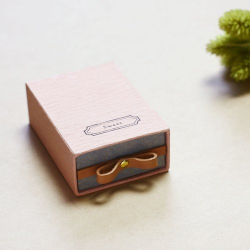 Sweet // Sakura pink ) Sliding Box Leather ribbon 気持ちを伝える小さな箱