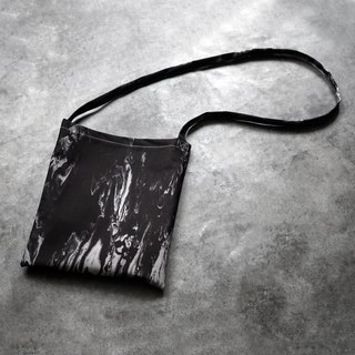 Cross Shoulder Bag Black and White Flow