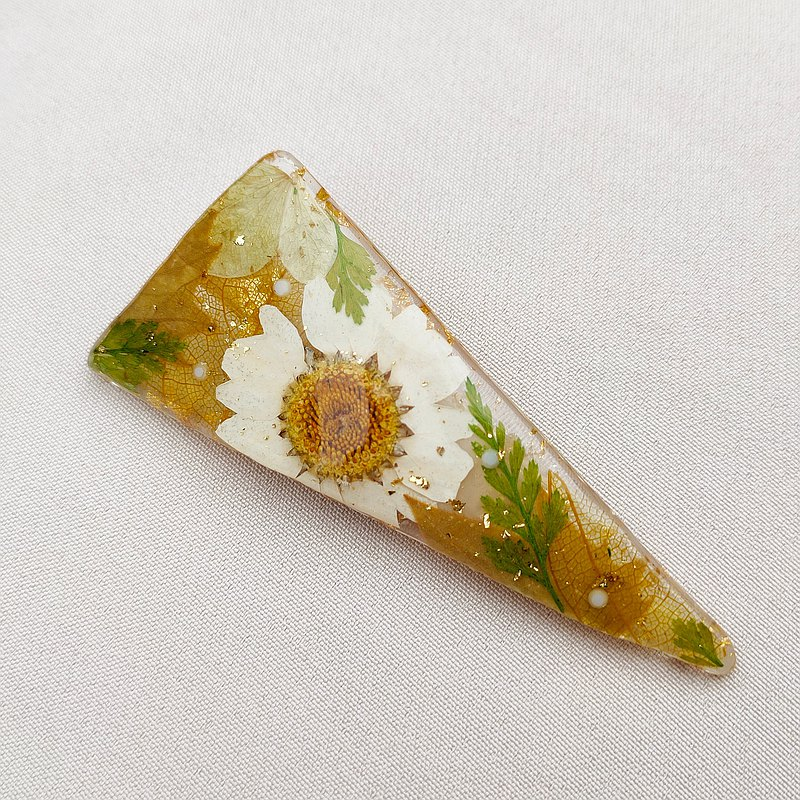 Summer Solstice-Real Flower Triangle Resin Acrylic Hair Clip