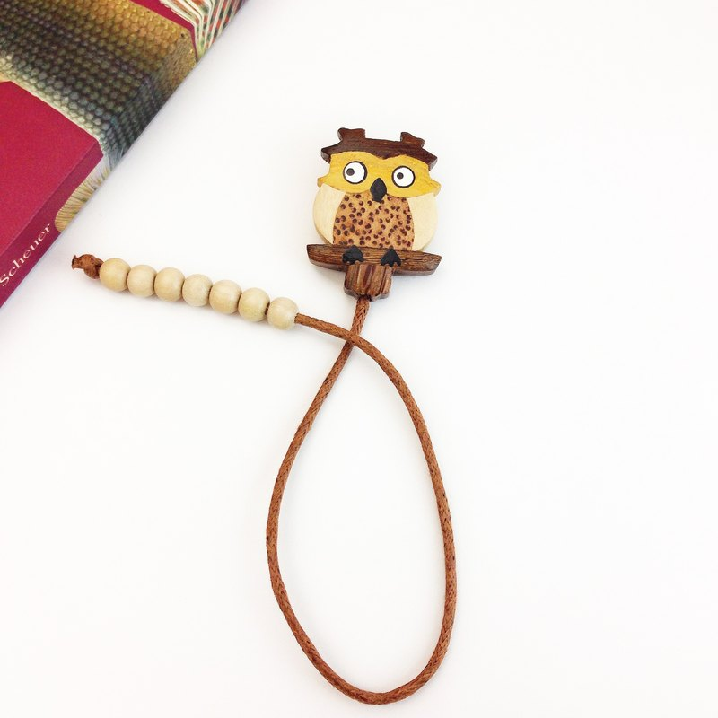 Handmade wooden owl [x] Leather bookmark ✦ October