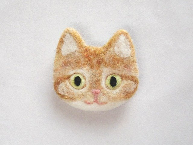 cat face felt brooch [red tabby]