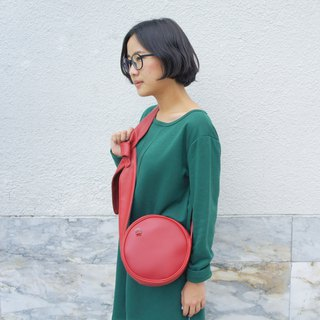 Circle crossbody bag tie strap Red colour