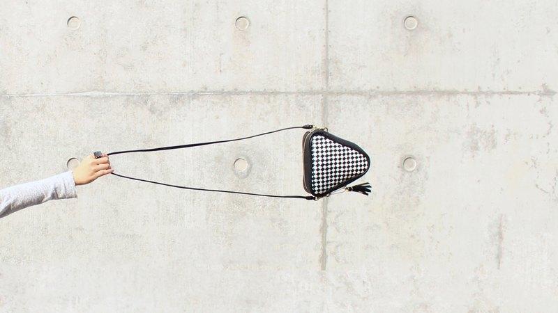 三角形 真皮 手工編織 黑白格紋 兩用 斜背包