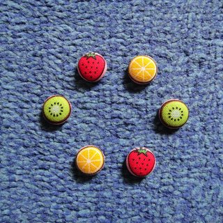 (C) _ Cloth fruits dial button earrings C24BT / UY94