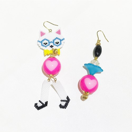 Cat love pink antique pearl earrings