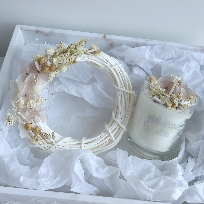 Wreath & Dried flower candles in glass | Natural Soywax Candle | birthday gift